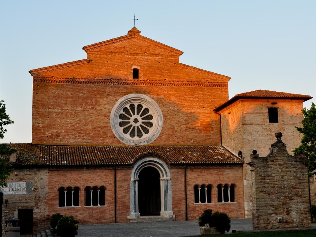 Abbazia di Chiaravalle di Fiastra Marche