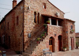 Palazzo dei Priori a Montepescali (GR) borghi maremmani